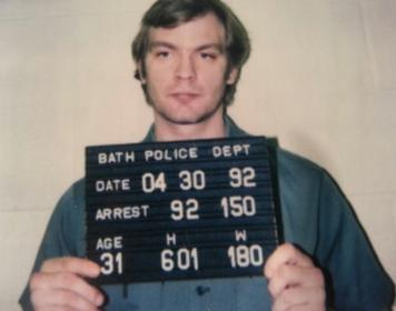 Jeffrey_Dahmer_Bath_Twp_Police_1992_mugshot