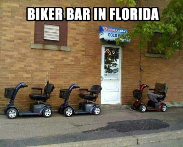 Biker-bar-in-Florida-2uomh6wnw9gpzu4u31pkao