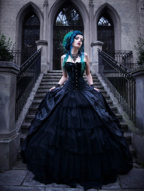 Would you wear a black weddingdress?