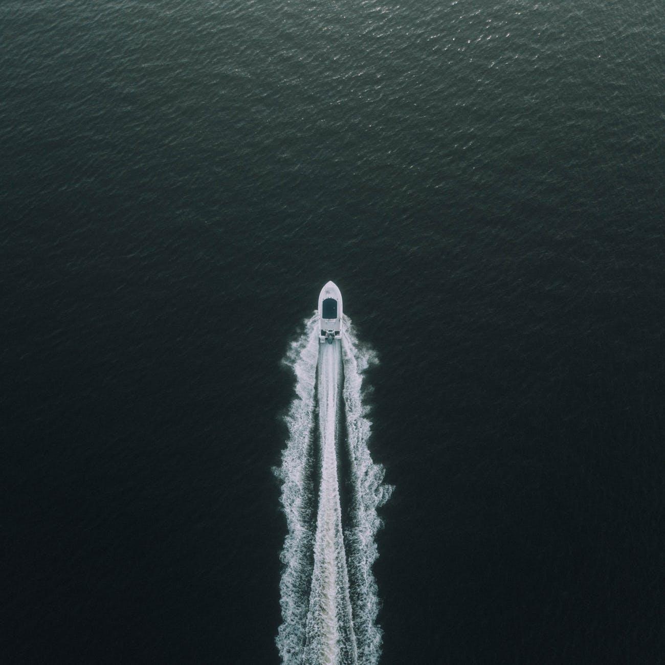 boat deep ocean idyllic leisure