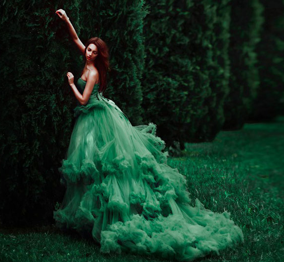 Magnificent eye-catching gowns in unsualcolors